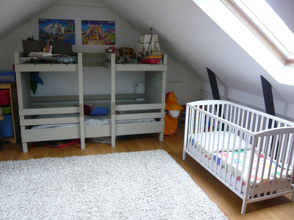 notre deuxi me fils grandit son lit b b devient un peu. Black Bedroom Furniture Sets. Home Design Ideas